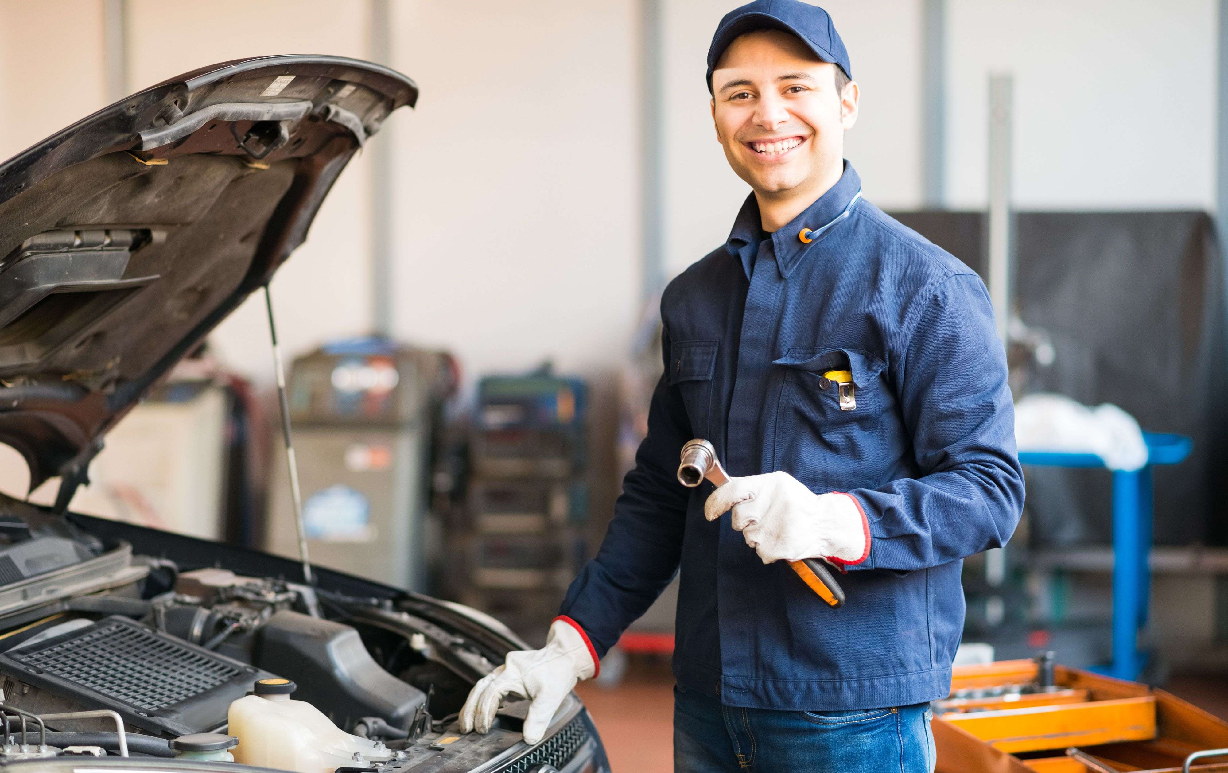 shutterstock_302400434 Car Servicing