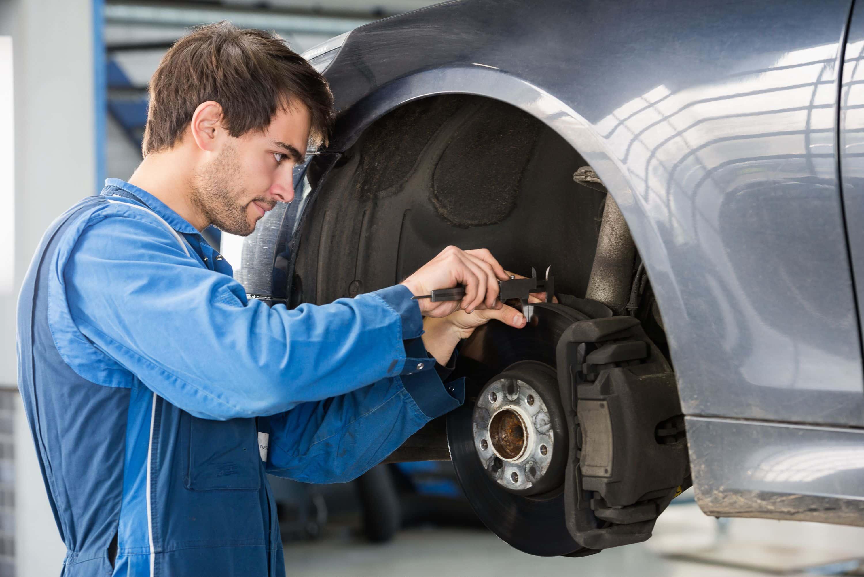 shutterstock_337519874 Brakes & Clutches